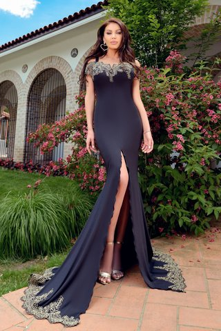 Rochie lunga lycra neagra si broderie aurie