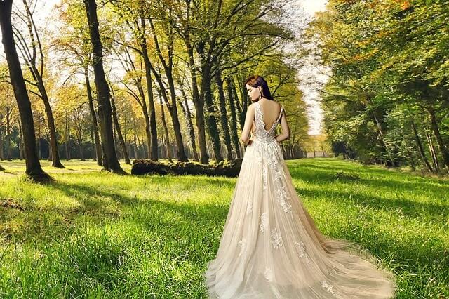 rochie din dantela eleganta